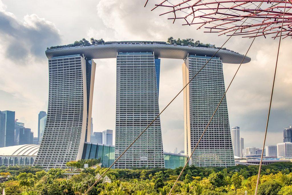 Vista panorâmica de Singapura. Destaque para o Marina Bay Sands.