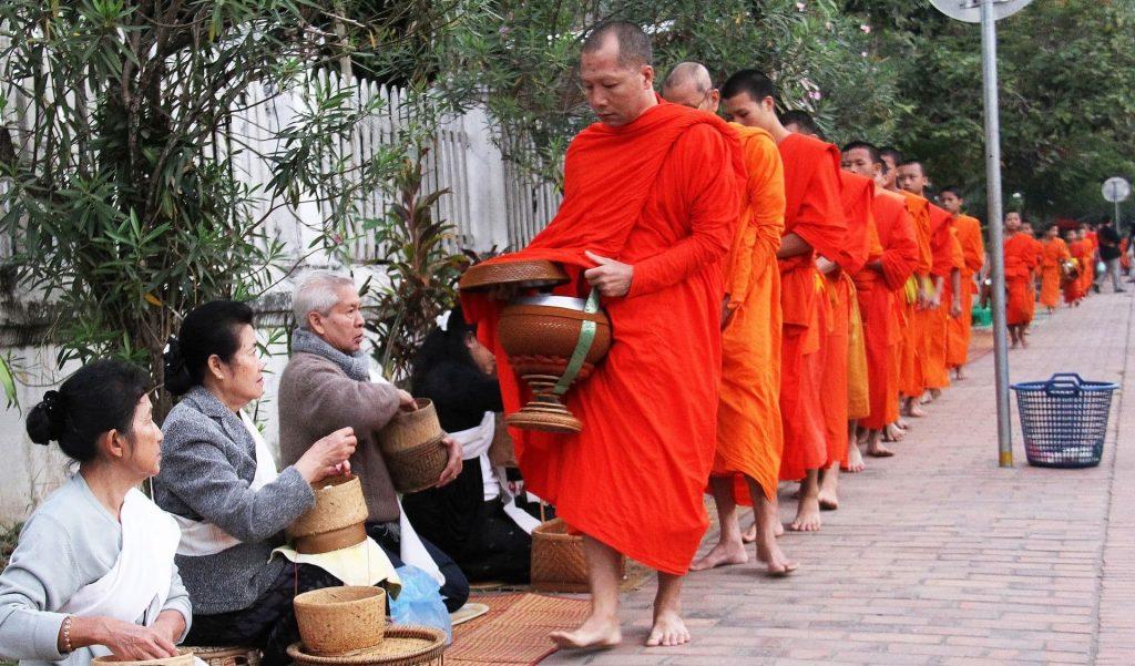 Monges comida no Laos
