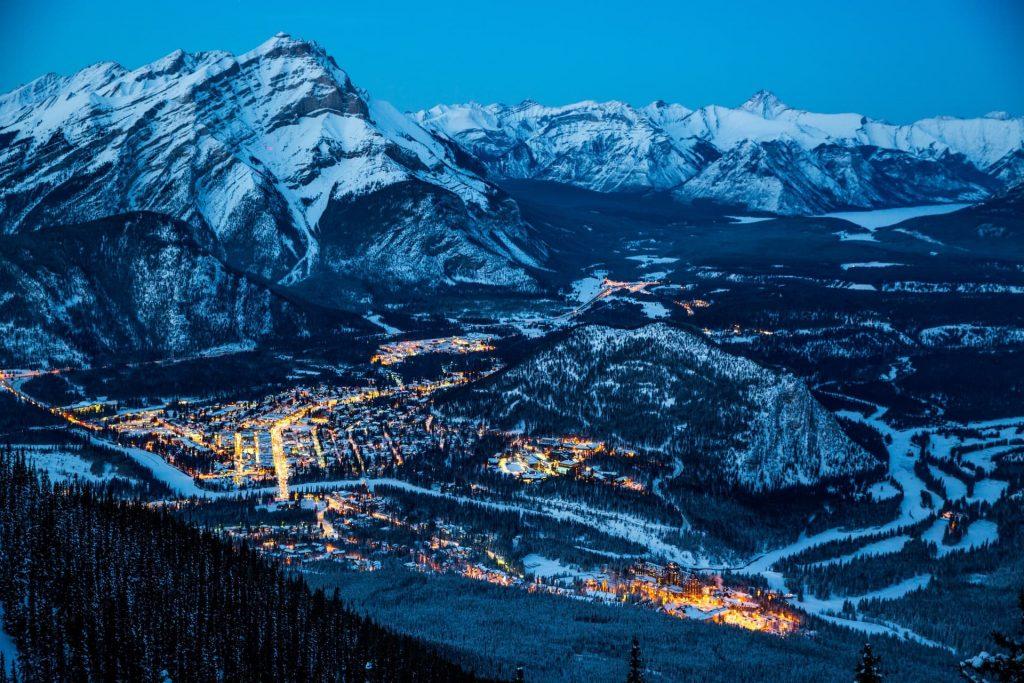 Destino de montanha em Banff no Canadá