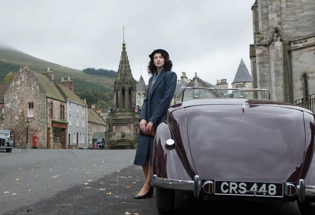 A Escócia de 1945, no pós guerra. Outlander, 1ª temporada