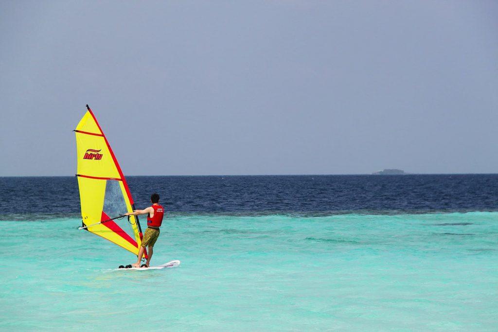 windsurf nas Ilhas Maldivas