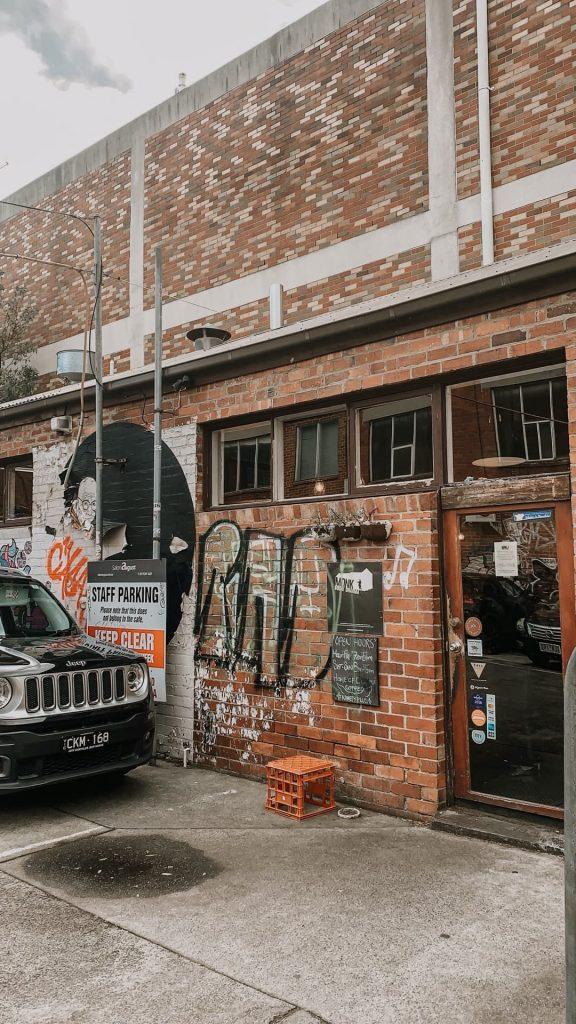 Monk Bodhu Dharma, Café em Melbourne, na Austrália