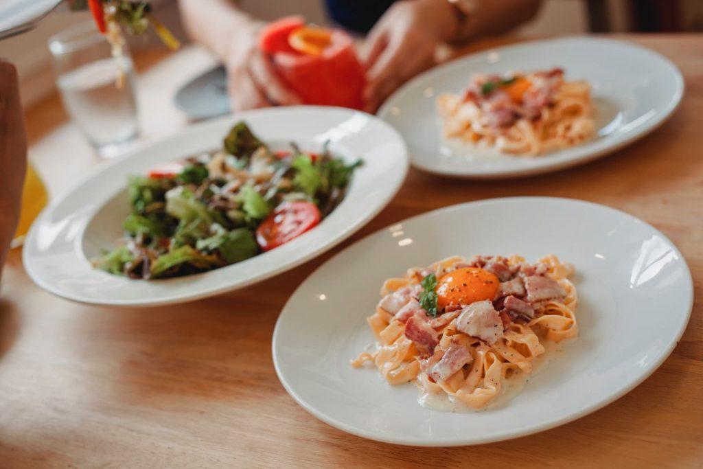 Spaghetti Carbonara em Roma Gastronomia Italiana