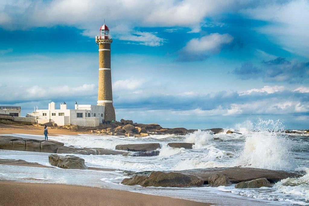 Farol na Praia do Uruguai