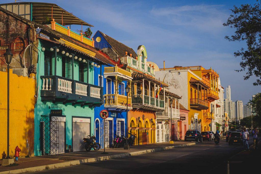 Ruas coloridas de Cartagena na Colômbia