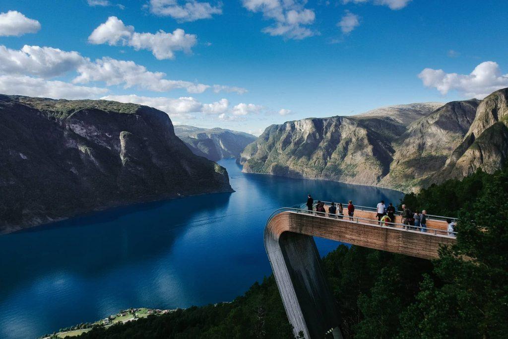 Mirante Stegastein na cidade de Aurland na Noruega
